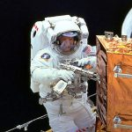 050713_astronaut_tool_02